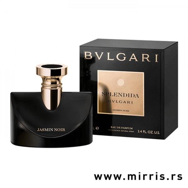 Crna bočica parfema Bvlgari Jasmin Noir Splendida pored originalne crne kutije