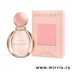 Roze bočica parfema Bvlgari Rose Goldea i kutija roze boje