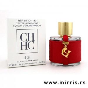 Kutija bele boje i crvena boca testera Carolina Herrera CH