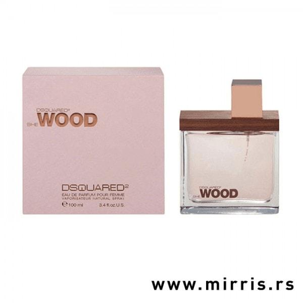 Boca originalnog parfema DSQUARED² She Wood i kutija roze boje