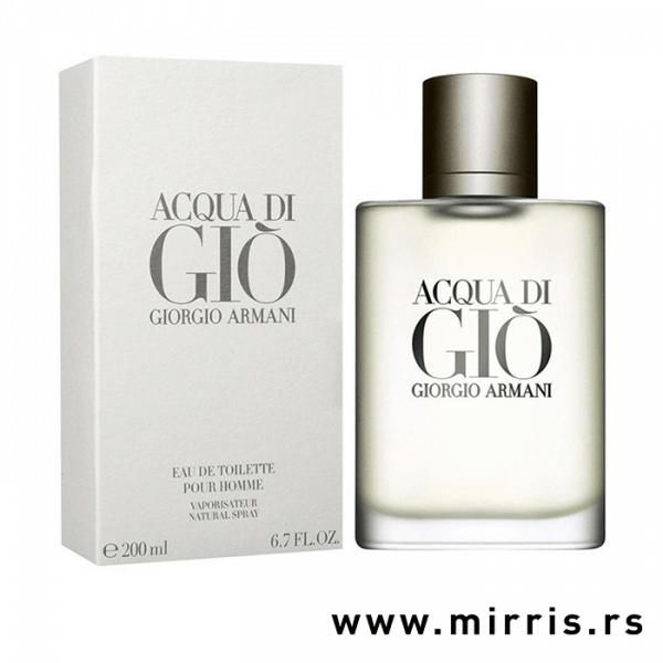 Boca originalnog parfema Giorgio Armani Acqua Di Gio pored kutije bele boje