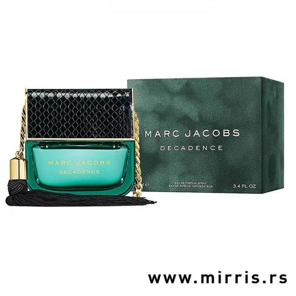 Boca parfema Marc Jacobs Decadence pored originalne kutije