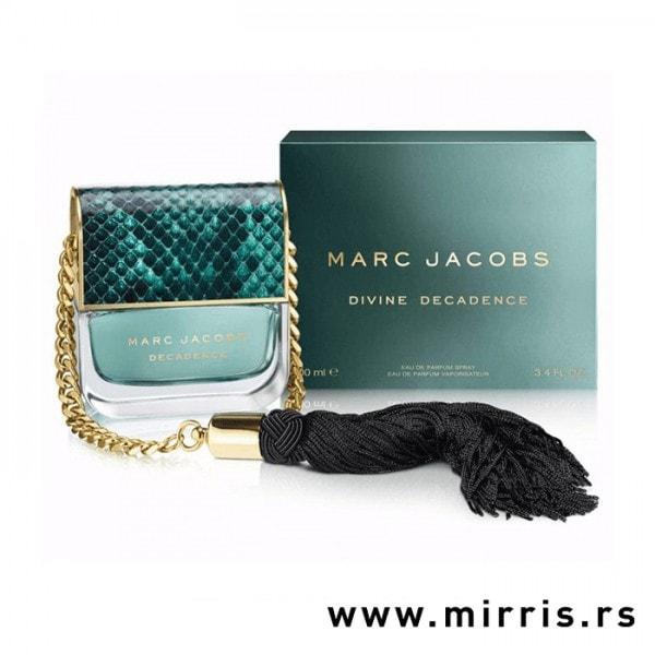 Boca parfema Marc Jacobs Divine Decadence u obliku torbice pored originalne kutije
