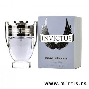 Boca parfema Paco Rabanne Invictus i kutija sive boje
