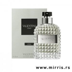 Bočica originalnog parfema Valentino Uomo Acqua pored bele kutije