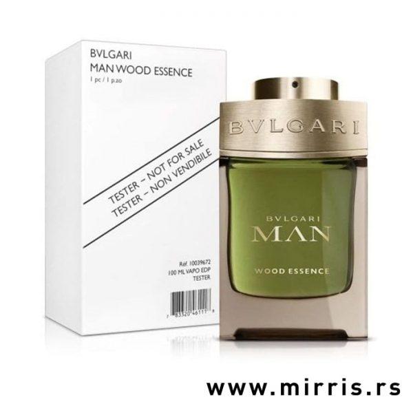 Boca parfema Bvlgari Man Wood Neroli pored bele kutije